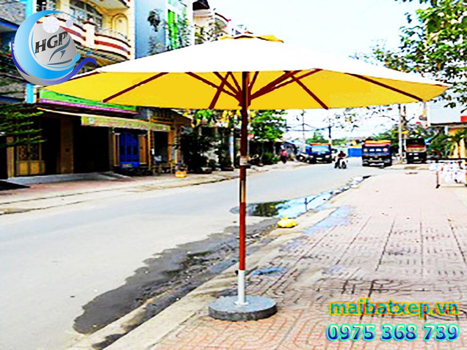 Mẫu Dù Che Nắng Mưa Quán Cafe Ngoài Trời Tại TPHCM