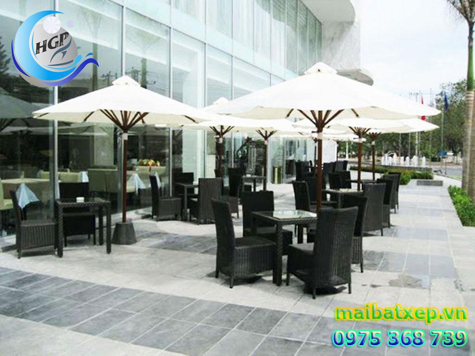 Mẫu Dù Che Nắng Mưa Quán Cafe Ngoài Trời Tại Quận Phú Nhuận